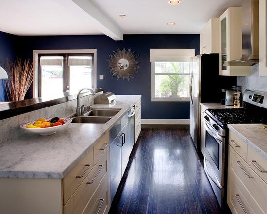 "Photo credit <a href=""https://www.houzz.com/photos/189359/Kitchen1-contemporary-kitchen-los-angeles"" rel=""nofollow"">Erica Islas on Houzz.com</a>."